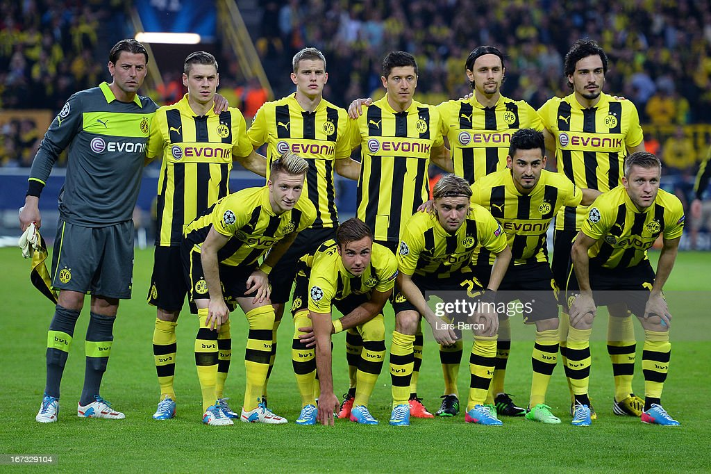 Borussia Dortmund team line up prior to the UEFA Champions League semi final first leg match between Borussia Dortmund and Real Madrid at Signal Iduna Park on April 24, 2013 in Dortmund, Germany.