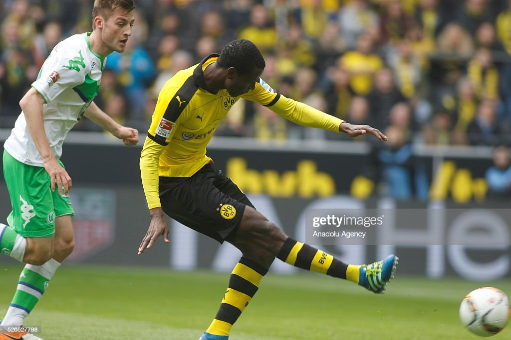 Borussia Dortmund's Adrian Ramos scores a goal during their Bundesliga soccer match between Borussia Dortmund and VfL Wolfsburg at the Signal-Iduna stadium in Dortmund, Germany on April 30, 2016.