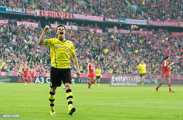 Borussia Dortmund's Jonas Hofmann celebrates scoring the third goal during the Bundesliga match between Bayern Muenchen and Borussia Dortmund at...