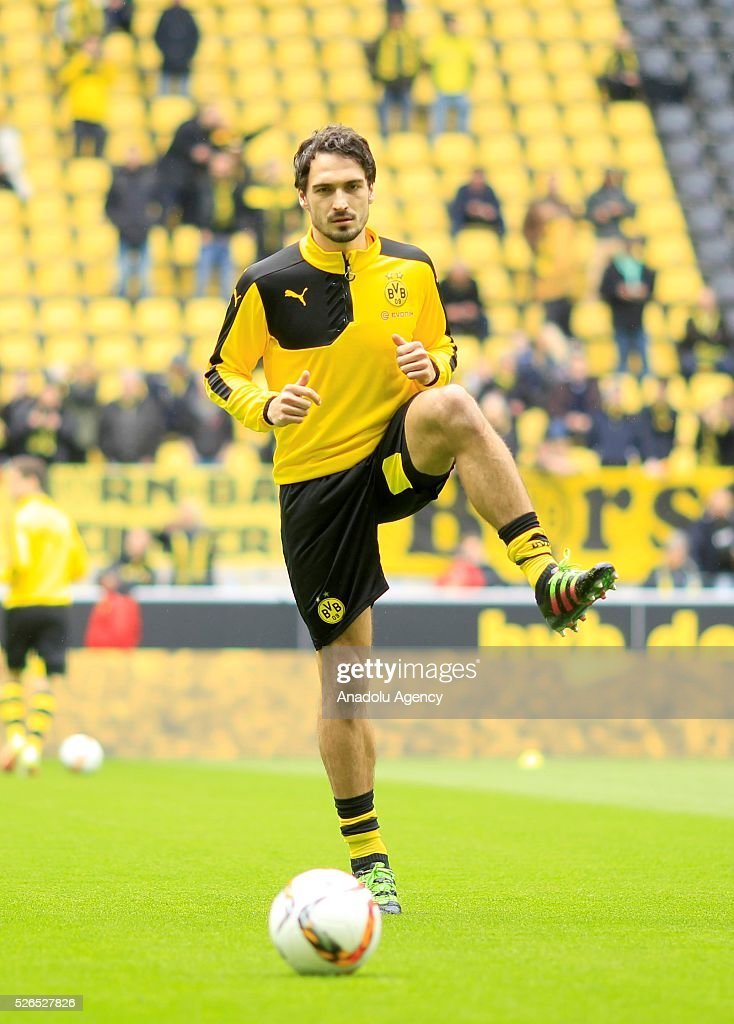 Borussia Dortmund's Mats Hummels warms up before their Bundesliga soccer match between Borussia Dortmund and VfL Wolfsburg at the Signal-Iduna stadium in Dortmund, Germany on April 30, 2016.