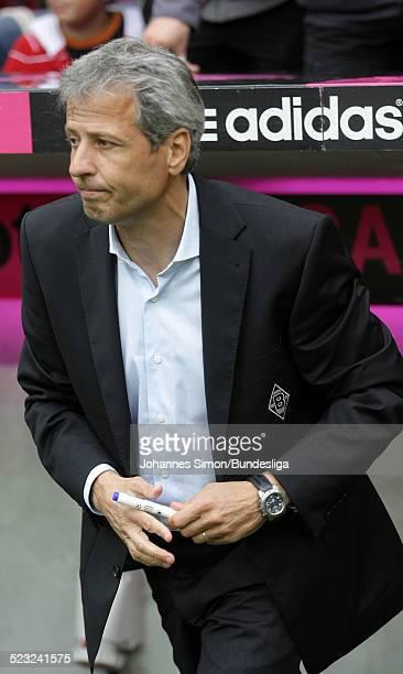 BorussiaTrainer Lucien Favre im Einsatz beim BundesligaSpiel zwischen dem FC Bayern Muenchen und Borussia Moenchengladbach am in der Muenchner...