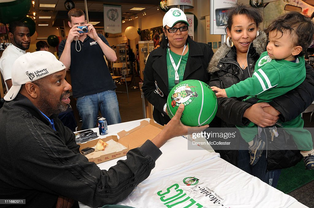 Boston Celtic legend <a gi-track='captionPersonalityLinkClicked' href=/galleries/search?phrase=Cedric+Maxwell&family=editorial&specificpeople=2105758 ng-click='$event.stopPropagation()'>Cedric Maxwell</a> does a meet and greet at the T-Mobile celebration of the partnership with Boston Celtics with Tip Off Tuesdays on March 15, 2011 at the T-Mobile store in Medford, Massachusetts. Guests tested out the latest 4G devices and experienced America's Largest 4G Network, and received tickets to Celtics games.