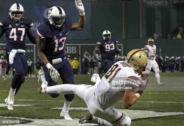 Boston College Eagles tight end Chris Garrison makes the touchdown reception for a 73 lead over the Connecticut Huskies in the second quarter Boston...