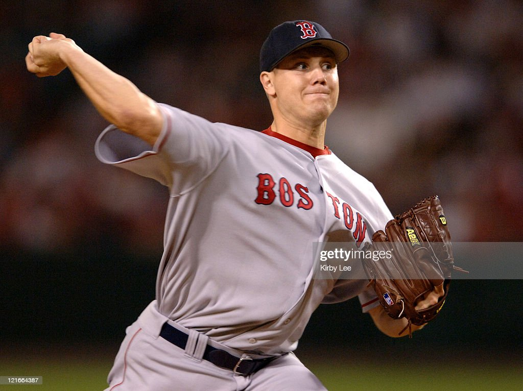Boston Red Sox reliever <a gi-track='captionPersonalityLinkClicked' href=/galleries/search?phrase=Jonathan+Papelbon&family=editorial&specificpeople=453535 ng-click='$event.stopPropagation()'>Jonathan Papelbon</a> pitches during the ninth inning of 5-4 victory over the Los Angeles Angels of Anaheim to pick up his 33rd save at Angel Stadium on Wednesday, August 23, 2006.