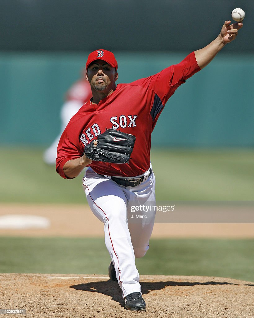 Boston reliever <a gi-track='captionPersonalityLinkClicked' href=/galleries/search?phrase=J.C.+Romero&family=editorial&specificpeople=225049 ng-click='$event.stopPropagation()'>J.C. Romero</a> makes a pitch during Sunday's game against Florida at City of Palms Park in Ft. Myers, Florida on March 25, 2007.