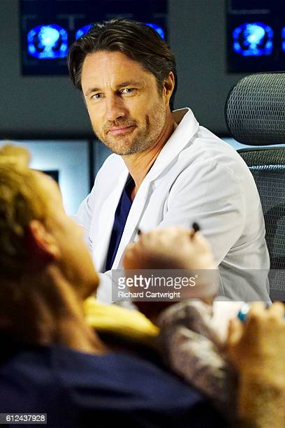 S ANATOMY 'Both Sides Now' Meredith and Bailey are at odds when both of their patients need a liver transplant Owen seeks help from the other doctors...