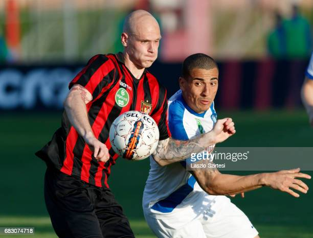 Botond Barath of Budapest Honved fights for the ball with Myke Bouard Ramos of MTK Budapest during the Hungarian OTP Bank Liga match between Budapest...