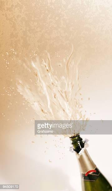 Flasche Champagner Explodieren