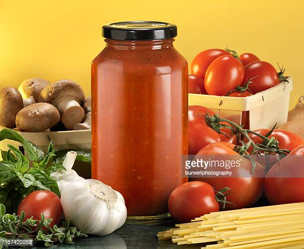 Bottled pasta sauce with raw ingredients