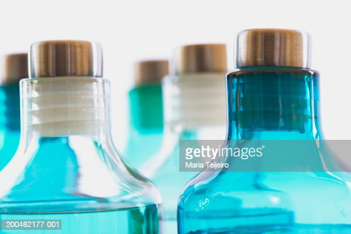 Bottles of spa treatments, close-up : Stockfoto