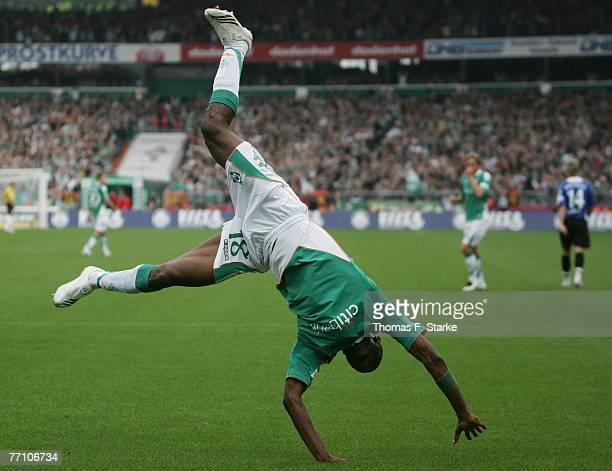 Boubacar Sanogo of Bremen celebrates the third goal of his team during the Bundesliga match between Werder Bremen and Arminia Bielefeld at the Weser...