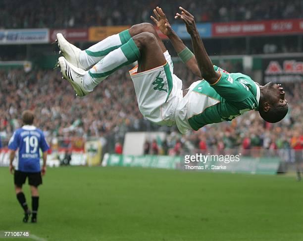 Boubacar Sanogo of Bremen celebrates the third goal of his team during the Bundesliga match between Werder Bremen and Arminia Bielefeld at the Weser...