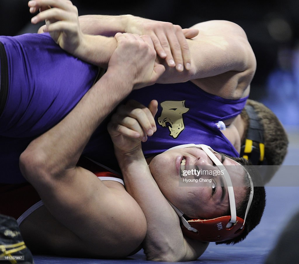 boulder s axel wessell top and east high school s dominic boulder s axel wessell top and east high school s dominic bejarano in 182 lb class