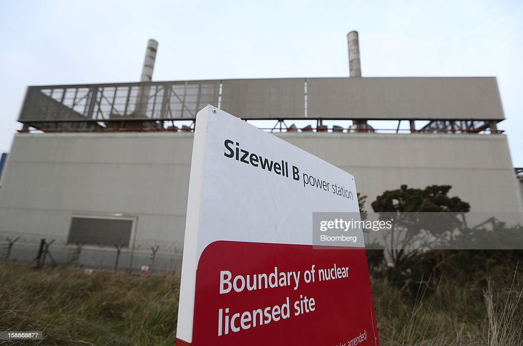 A boundary sign marks the perimeter of the Sizewell B nuclear power station, operated by Electricite de France SA (EDF) in Sizewell, U.K., on Wednesday, Jan. 2, 2013. EDF operates eight U.K. atomic power stations and has proposed to add Areva reactors at its Hinkley Point and Sizewell sites. Photographer: Chris Ratcliffe/Bloomberg via Getty Images