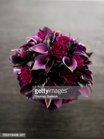Bouquet of calla lilies, overhead view : Stock Photo