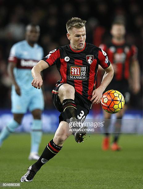 Bournemouth's English midfielder Matt Ritchie controls the ball during the English Premier League football match between Bournemouth and West Ham...