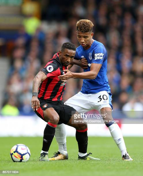 AFC Bournemouth's Jermain Defoe and Everton's Mason Holgate battle for the ball