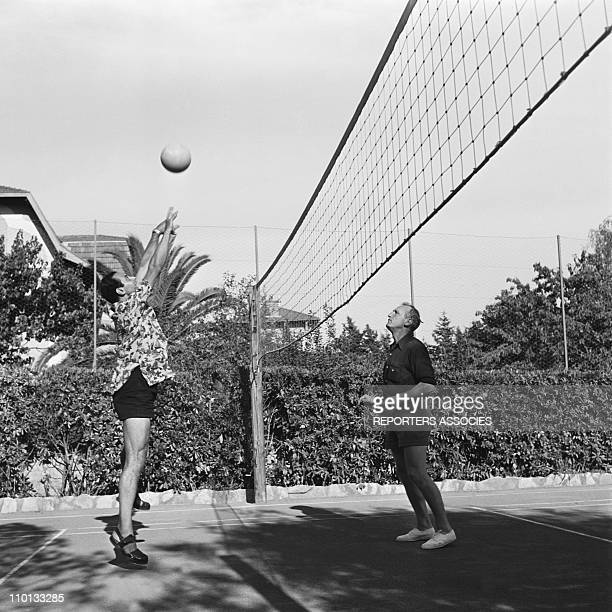 Bourvil and Georges Guetary playing volley ball in the 1950s