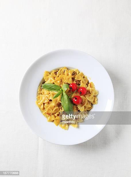 Bow tie pasta with mushroom sauce