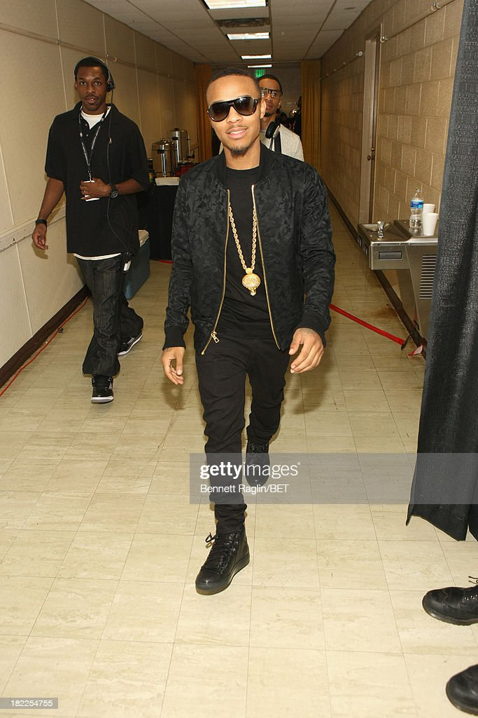 <a gi-track='captionPersonalityLinkClicked' href=/galleries/search?phrase=Bow+Wow+-+Rapper&family=editorial&specificpeople=211211 ng-click='$event.stopPropagation()'>Bow Wow</a> poses backstage at the BET Hip Hop Awards 2013 at Boisfeuillet Jones Atlanta Civic Center on September 28, 2013 in Atlanta, Georgia.