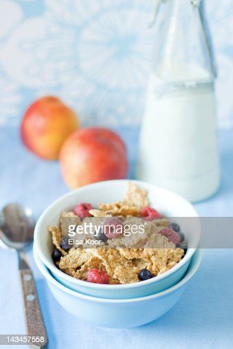 Bowl of breakfast cereal : Stock Photo
