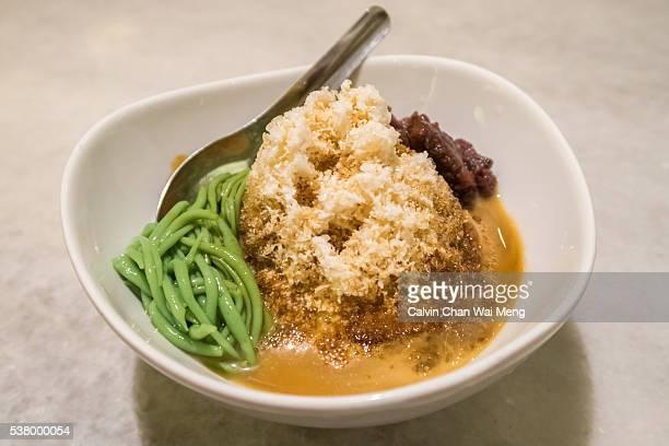 A bowl of cendol/chendol dessert