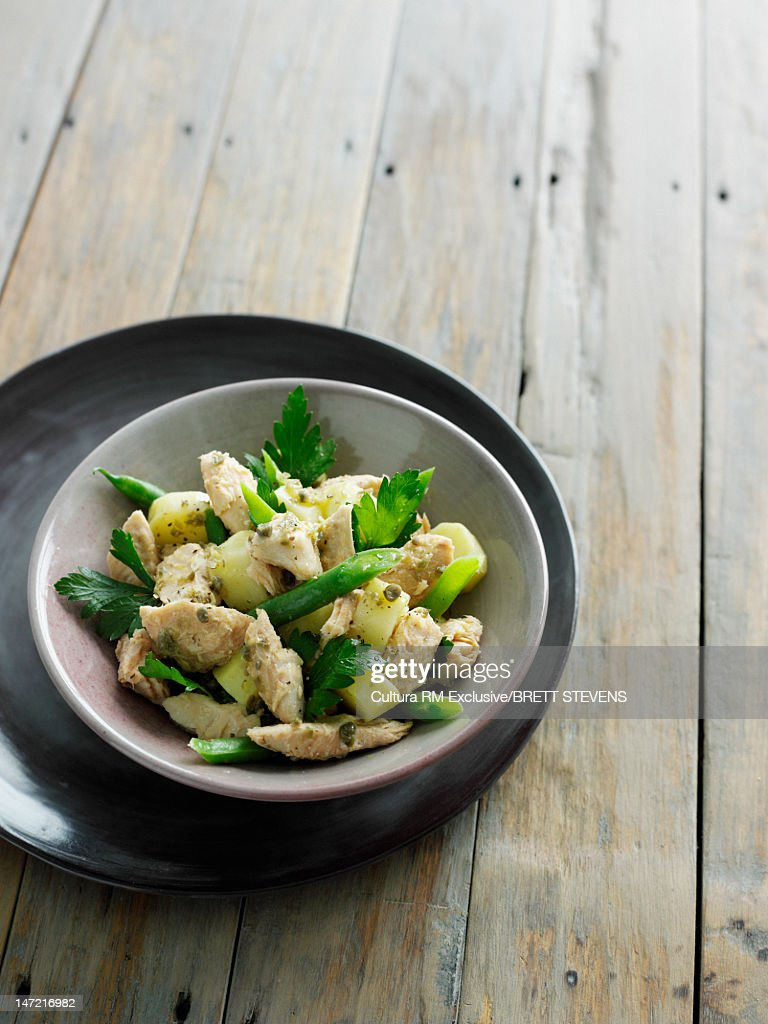 Bowl of chicken and vegetables : Stock Photo