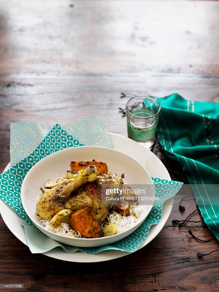 Bowl of chicken curry over rice : Stock Photo