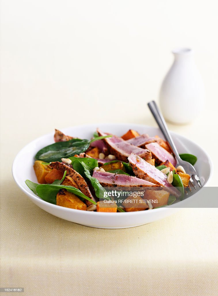 Bowl of meat with vegetables : Stock Photo