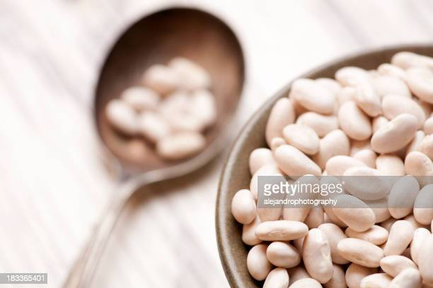 bowl of white beans