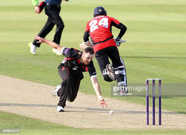 Bowler Ben Raine of Liecestershire Foxes attempting a run out during The Natwest T20 Blast match between Durham Jets and Leicestershire Foxes at The...