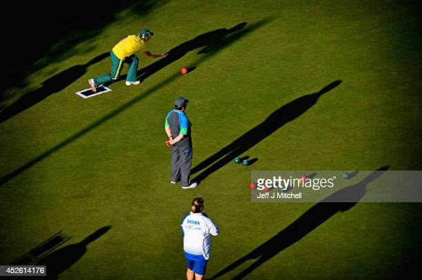 Bowlers play in the early evening sunlightat Kelvingrove Lawn Bowls Centre during day one of the Glasgow 2014 Commonwealth Games on July 24 2014 in...