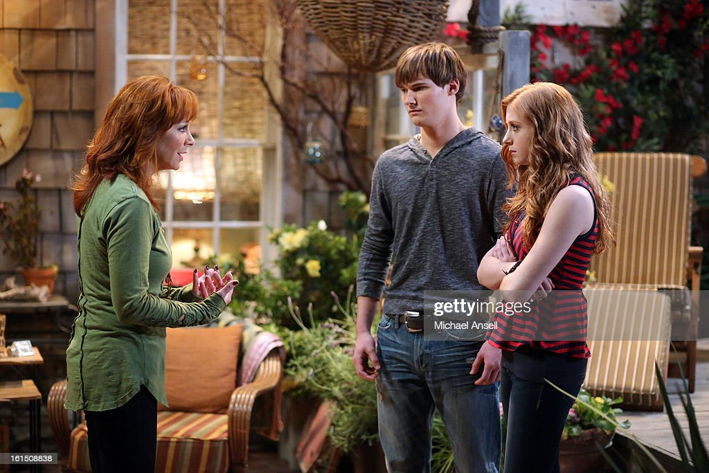 COUNTY - 'Bowling for Mama' - Reba, June and Cash vie to give Lillie Mae the very best birthday gift. But when her wish is for Reba to bowl for her league's opposing team, the competition gets less than friendly, on 'Malibu Country,' FRIDAY, FEBRUARY 22 (8:31-9:00 p.m., ET) on the ABC Television Network. REBA, JUSTIN