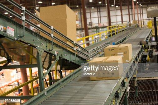 Box - Shipping in a warehouse
