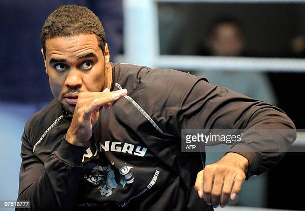US boxer Eddie Chambers boxes during a press training on March 17 2010 in Duesseldorf ahead of his IBF WBO and IBO heavyweight world championship...