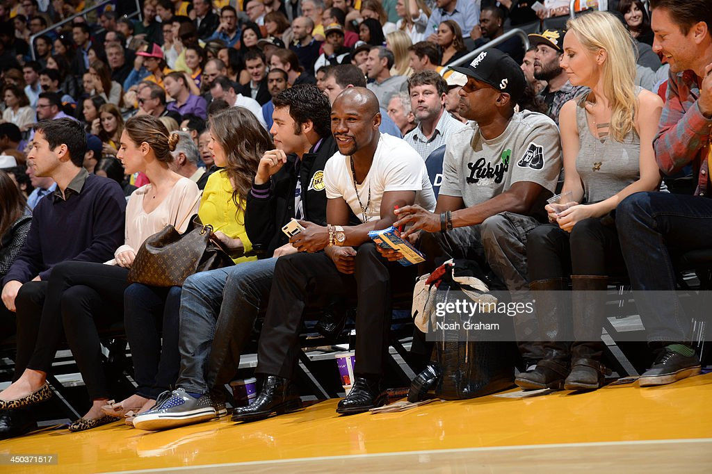 Boxer Floyd Mayweather attends a game between the Memphis Grizzlies and the Los Angeles Lakers at Staples Center on November 15, 2013 in Los Angeles, California.