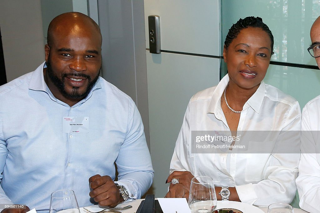 Boxer <a gi-track='captionPersonalityLinkClicked' href=/galleries/search?phrase=Jean-Marc+Mormeck&family=editorial&specificpeople=760912 ng-click='$event.stopPropagation()'>Jean-Marc Mormeck</a> and Chef Babette de Rozieres attend the 'France Television' Lunch during Day Seven of the 2016 French Tennis Open at Roland Garros on May 28, 2016 in Paris, France.