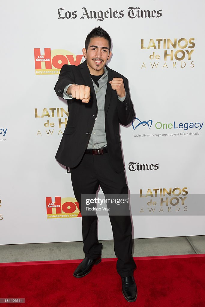 Boxer Leo Santa Cruz arrives at the 2013 Latinos De Hoy Awards at Los Angeles Times Chandler Auditorium on October 12, 2013 in Los Angeles, California.