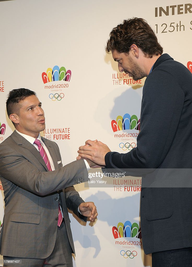 Boxer Sergio Martinez and Los Angeles player <a gi-track='captionPersonalityLinkClicked' href=/galleries/search?phrase=Pau+Gasol&family=editorial&specificpeople=201587 ng-click='$event.stopPropagation()'>Pau Gasol</a> attend the 'Madrid 2020' Press Conference at NH City Hotel on September 5, 2013 in Buenos AIres, Argentina
