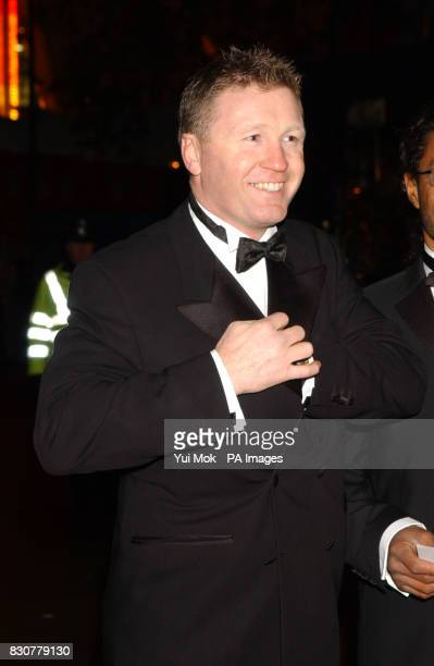 Boxer Steve Collins arriving at the Empire Leicester Square in London for the Royal Film Performance 2001 and World Premiere of 'Ali'