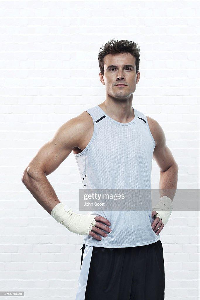 Boxer training without gloves, hero portrait : Stock Photo
