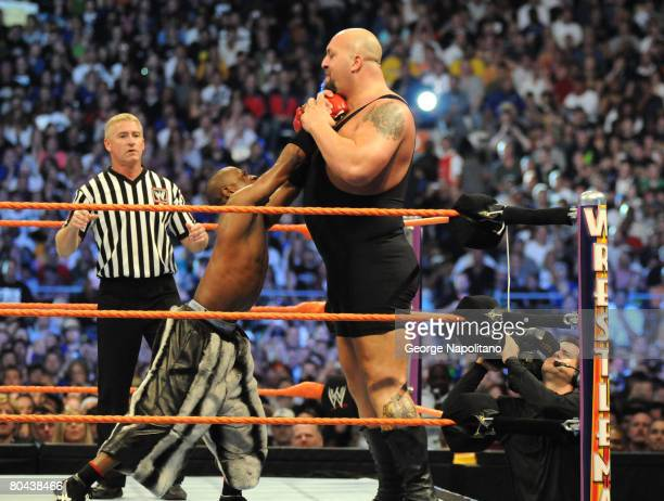 Boxing champion Floyd 'Money' Mayweather and the 7 foot 400 pound Big Show battle it out in front of 74635 fans at the Citrus Bowl on March 29 2008...