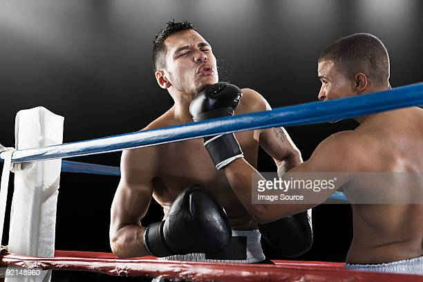 match de boxe en action