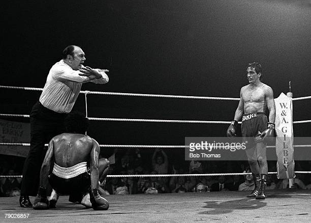 Boxing October Northern Ireland Featherweight champion Barry McGuigan stands in his corner after he knocked down Felipe Orozco as the referee calls...