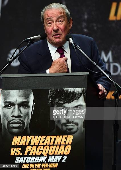 Boxing promoter Bob Arum addresses the audience on March 11 2015 in Los Angeles California at the Floyd Mayweather vs Manny Pacquiao press conference...