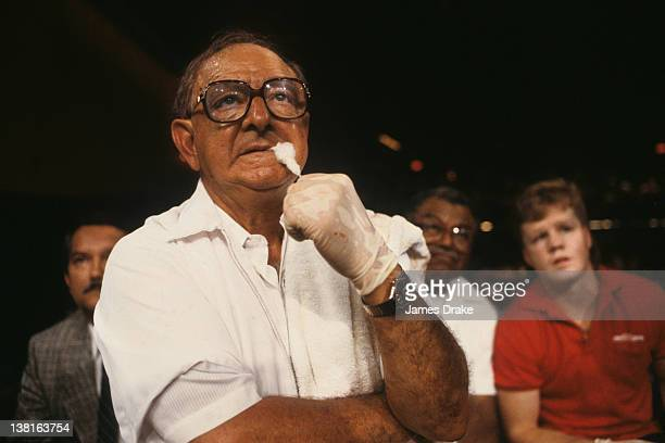 USBA Middleweight Title Trainer Angelo Dundee looks on during Troy Darrell vs Frank Tate fight at Sands Casino Hotel View of Freddie Roach Atlantic...
