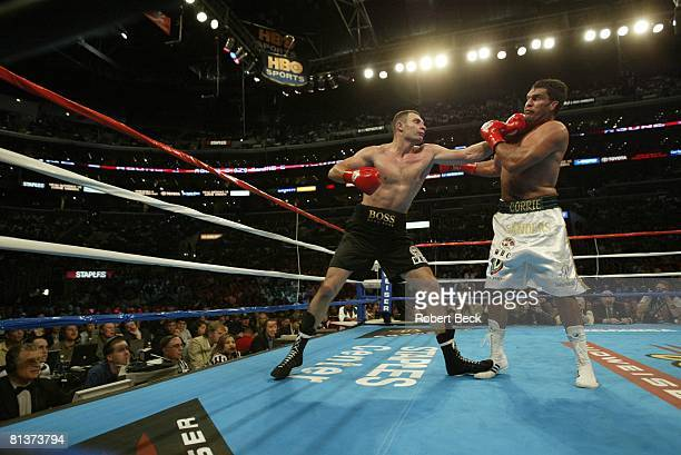 Boxing WBC Heavyweight Title Vitali Klitschko in action vs Corrie Sanders at Staples Center Los Angeles CA 4/24/2004