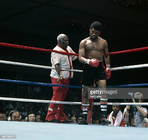 WBC/ WBA World Heavyweight Title Leon Spinks in corner with trainer Del Williams during fight vs Muhammad Ali at Las Vegas Hilton Hotel Las Vegas NV...