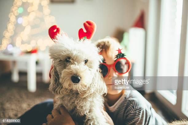 Junge und ein Hund