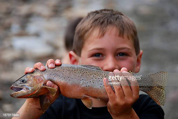 Garçon et son poisson